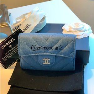 CHANEL NWT 19S card holder wallet Chevron Matte